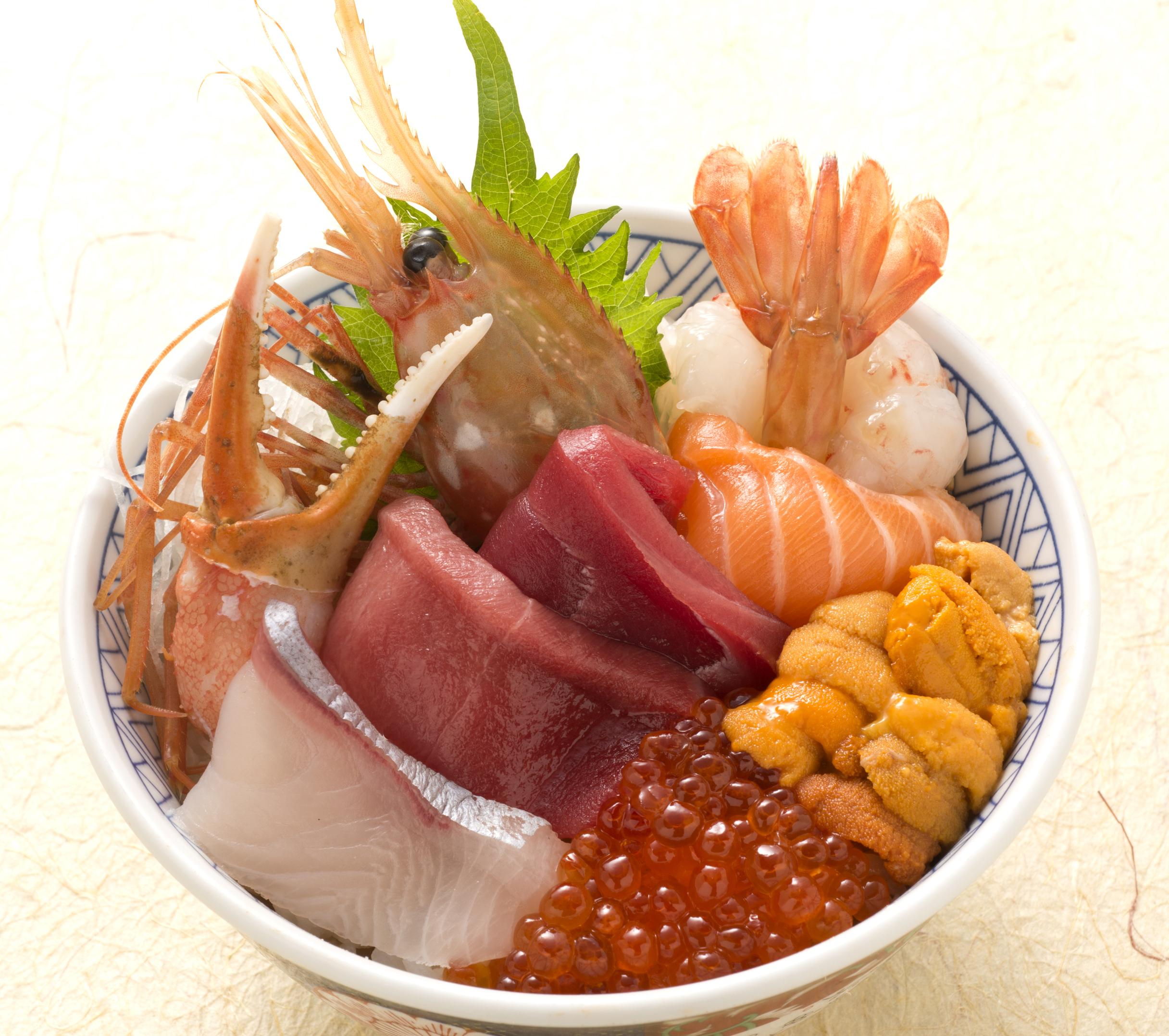 築地海鮮丼(お椀・デザート付)