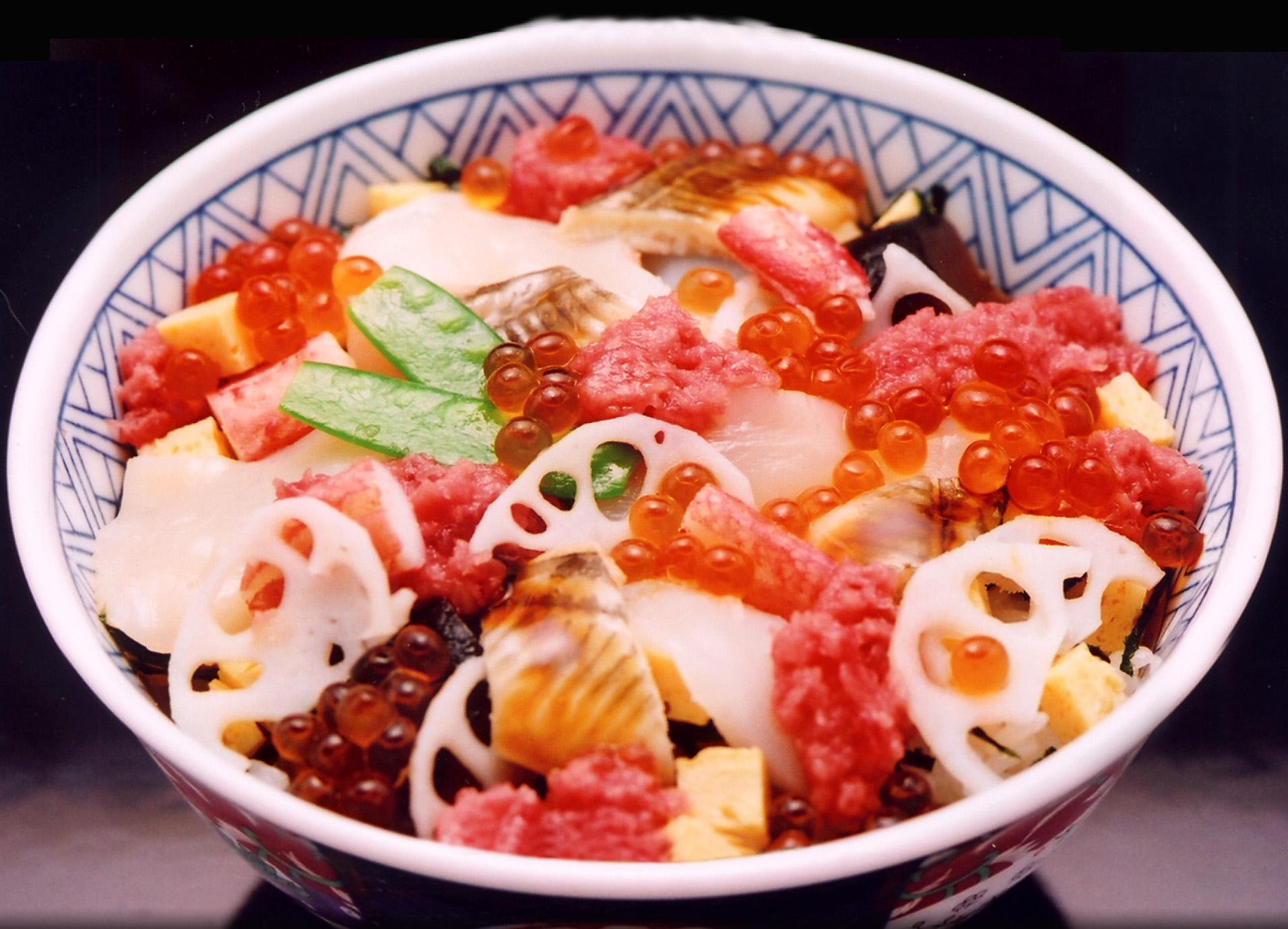 ばらちらし丼(お椀と白玉付)
