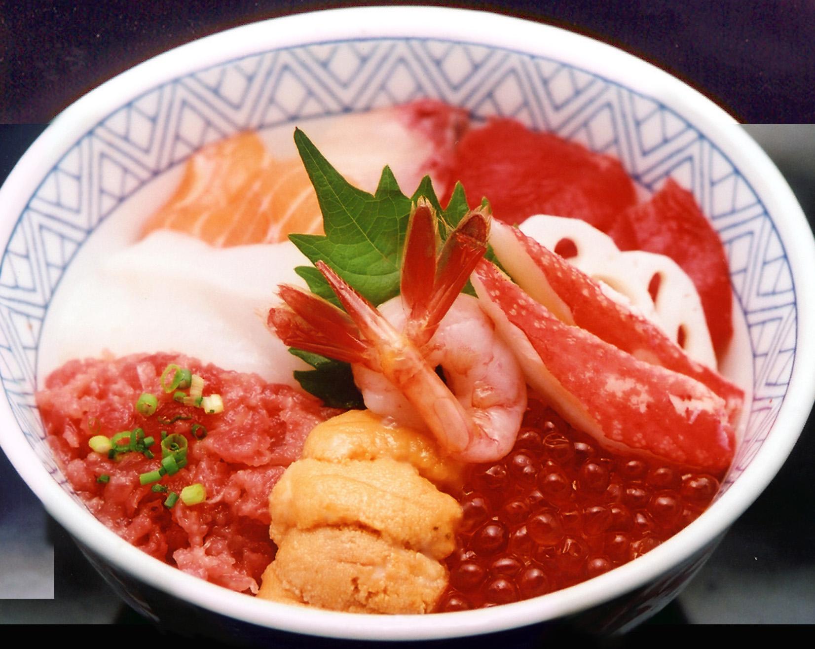 海鮮丼(お椀と白玉付)