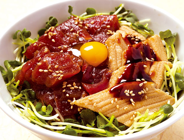 づけ鮪と穴子丼(お椀・サラダ・茶碗蒸付)