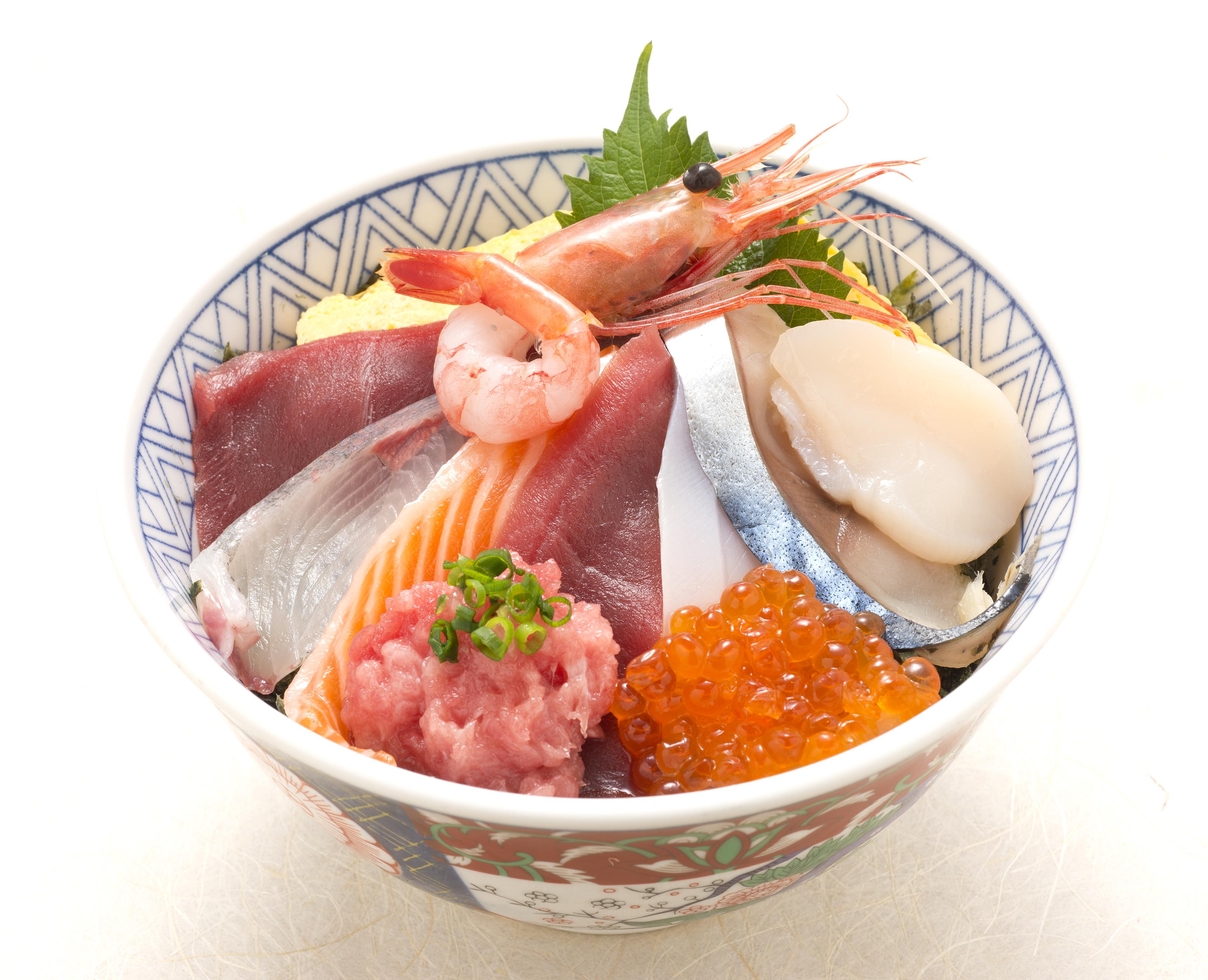 築地丼(お椀と有機野菜サラダ付)